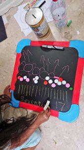 2-in-1 chalkboard